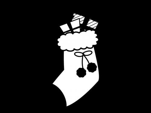 プレゼントが入ったクリスマスブーツ・靴下の白黒イラスト