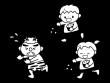 節分・子供二人で鬼に豆まきをする白黒イラスト